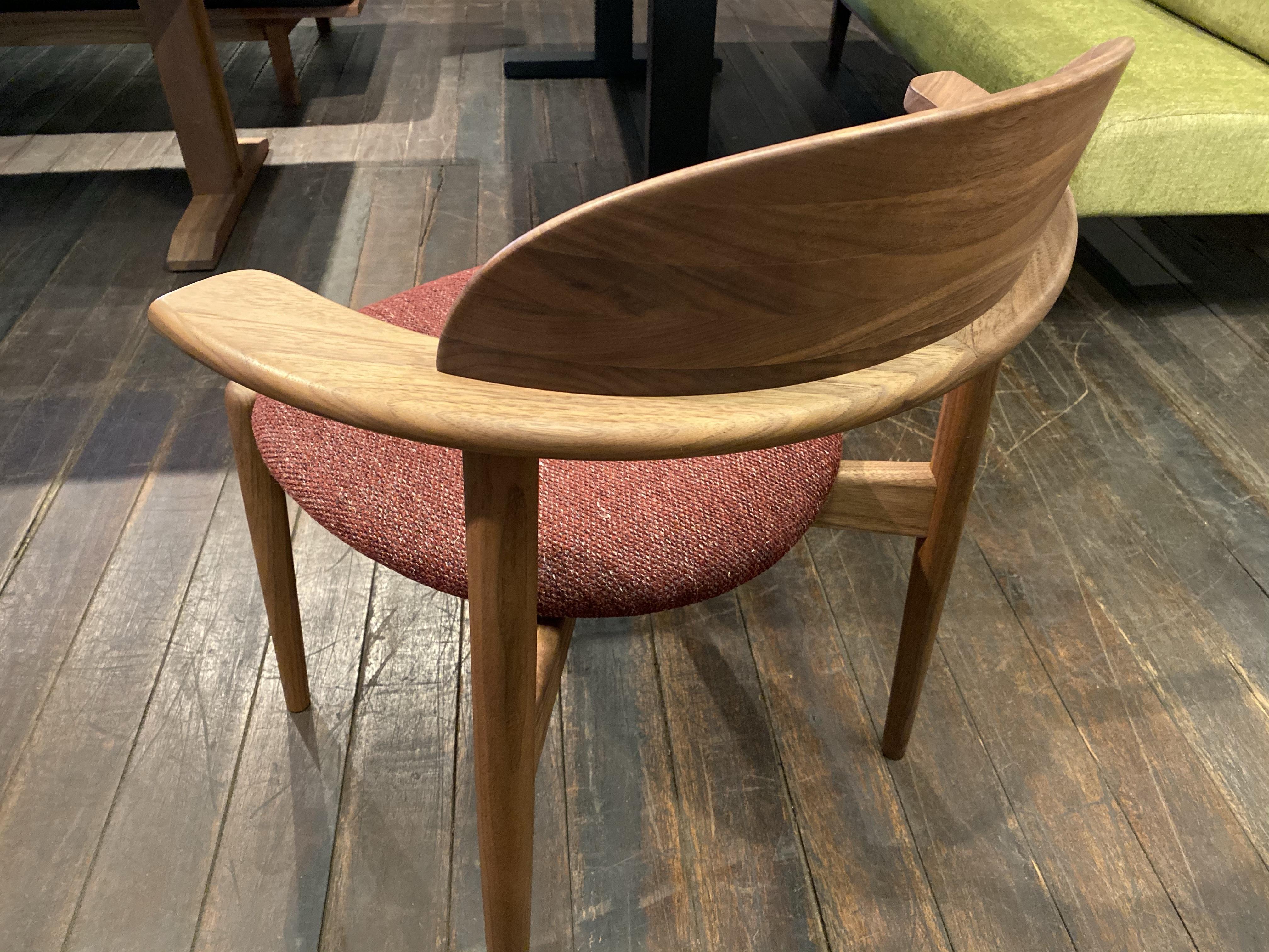 【座り心地の良い椅子】マスターウォール・UC2