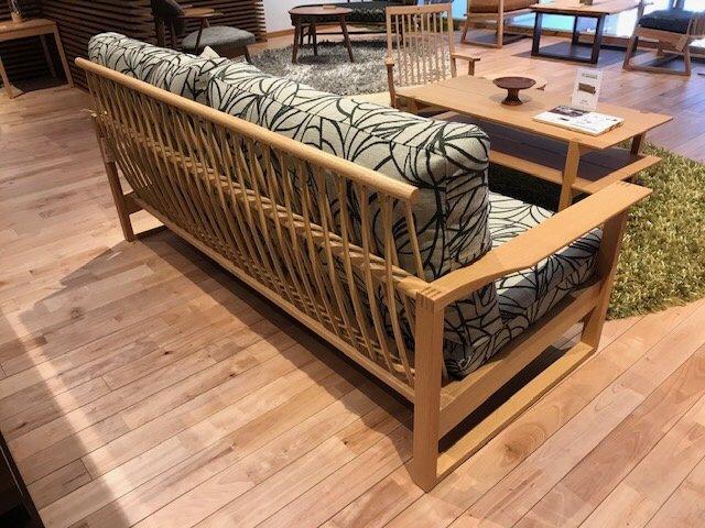 【和室の畳の上にもお勧めできるソファ】柏木工・GECCAソファ
