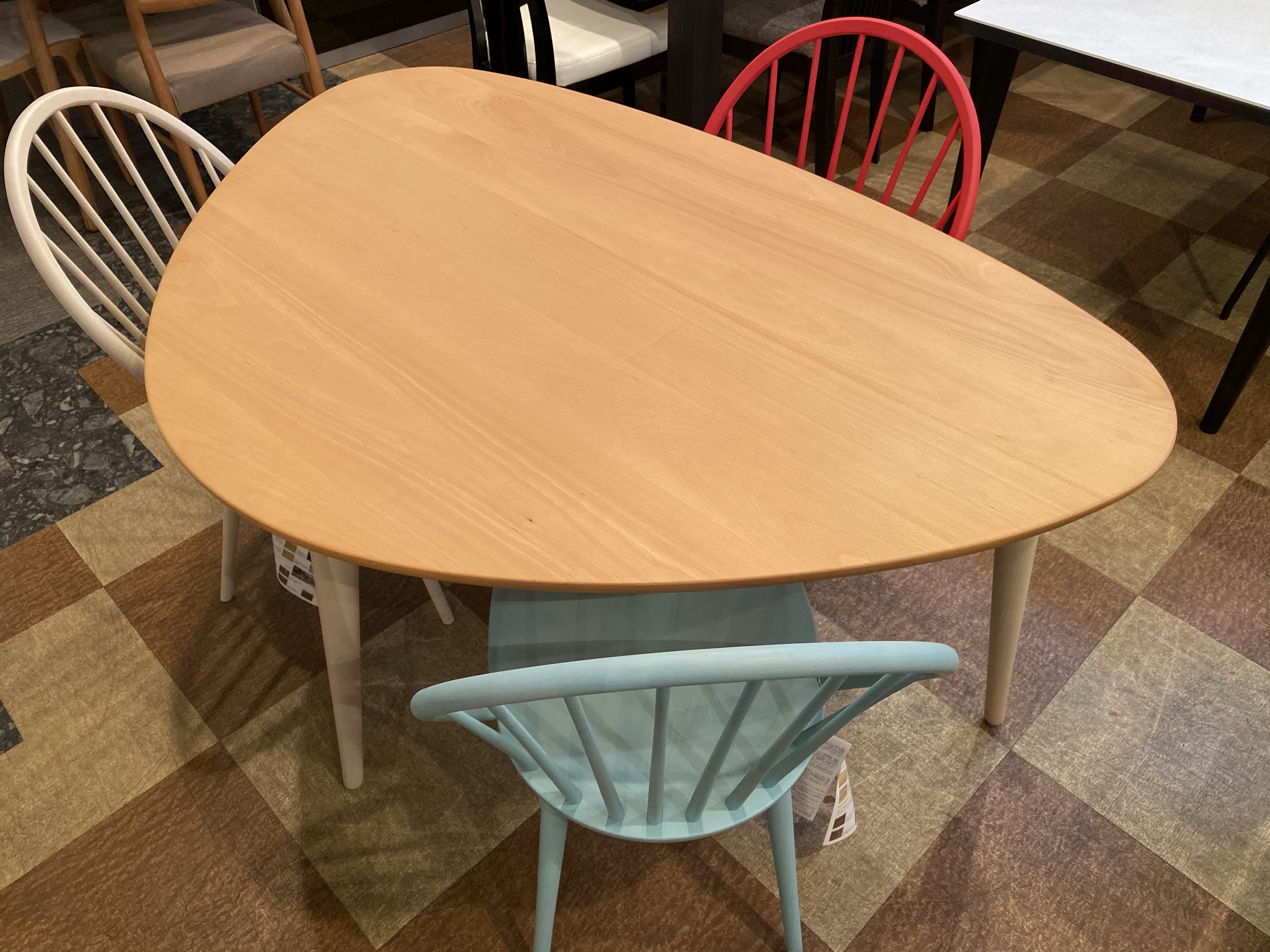 【テレワークにお勧めしたいテーブル】柏木工・LEIトライアングルテーブル