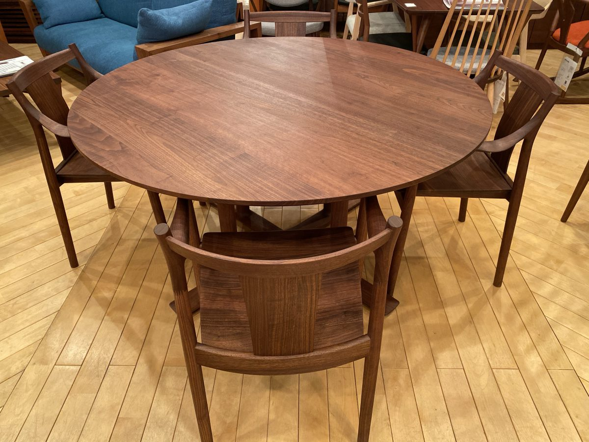 【お客様からお問い合わせをいただきました】丸テーブルについて・日進木工 CHORUS