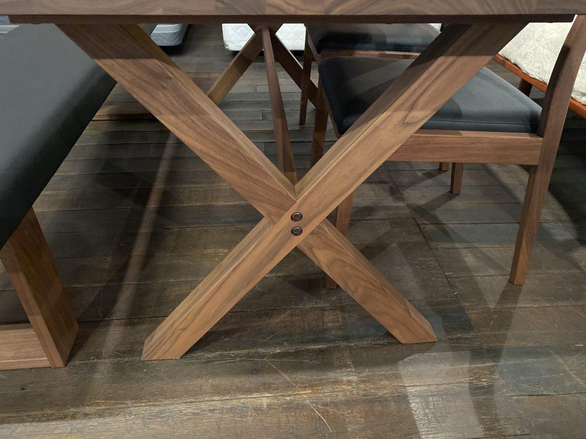 マスターウォール(MasterWaL)ブロンクステーブルにラテチェア・グロウベンチをセット