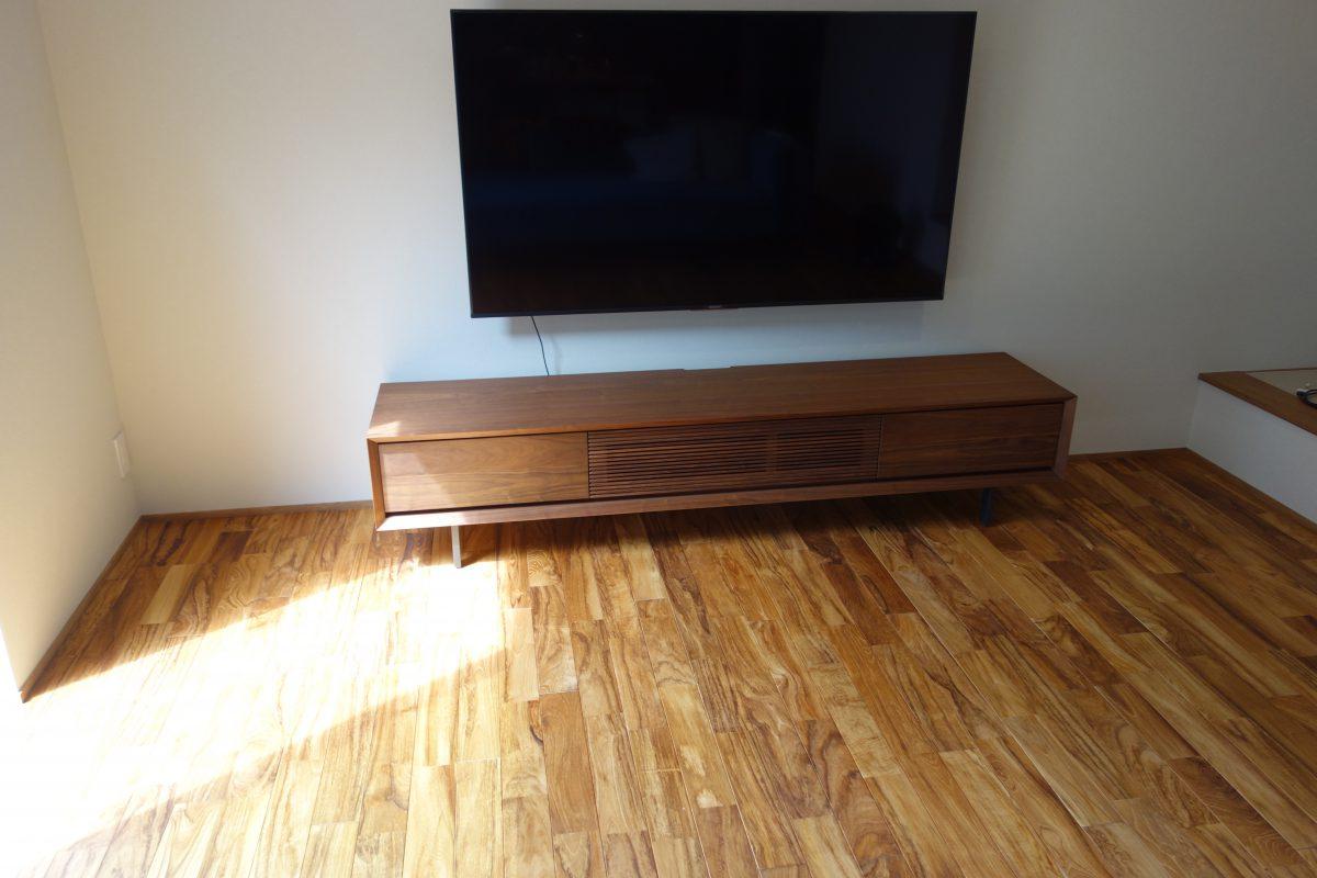 クオーレ中央・テレビボード・ルーク2000を納品