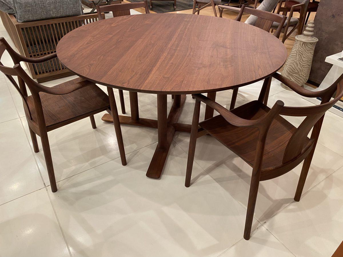 日進木工・CHORUS ダイニングテーブル