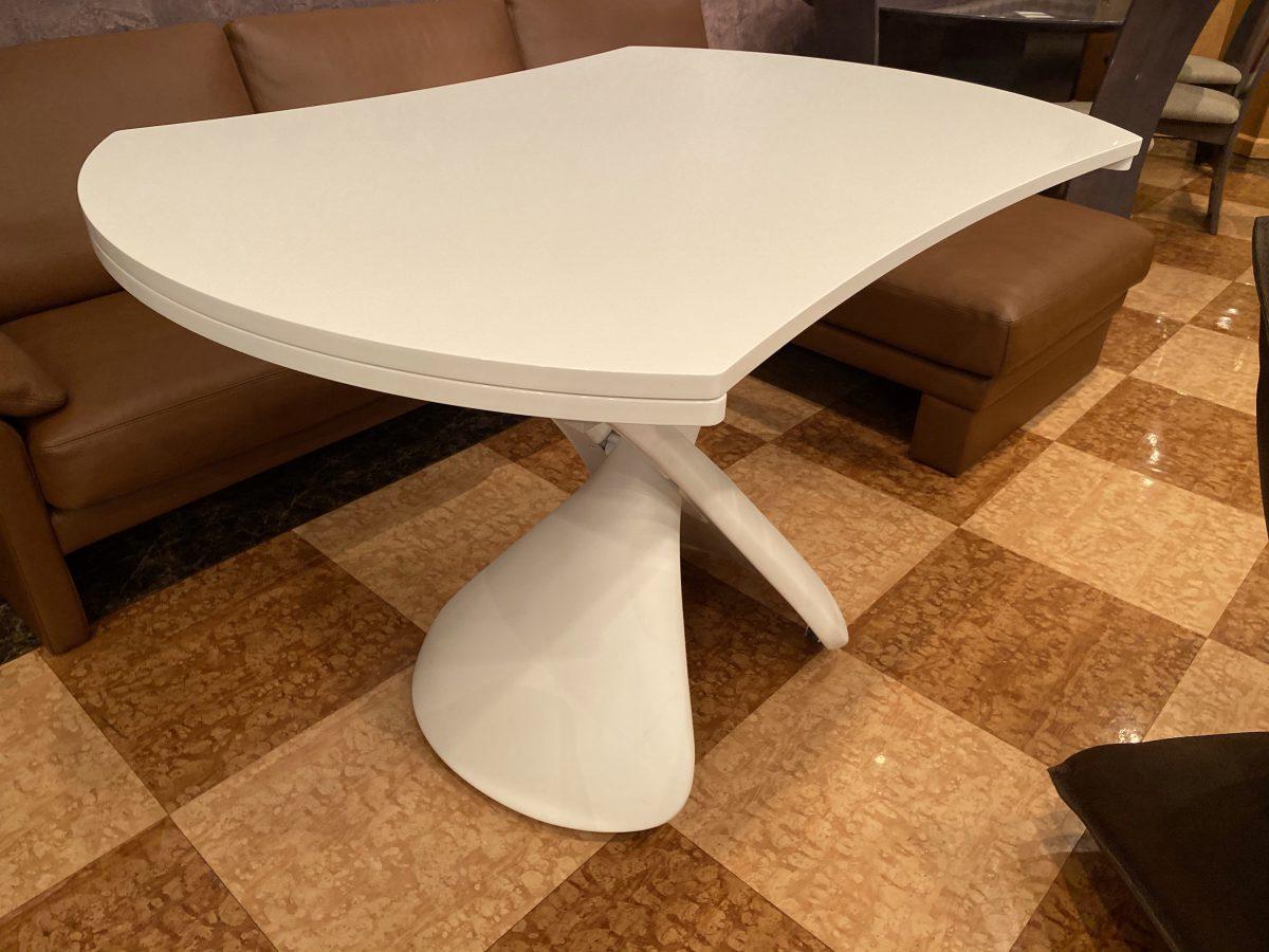 ホワイト空間にお勧め伸長式昇降テーブル・PARIS