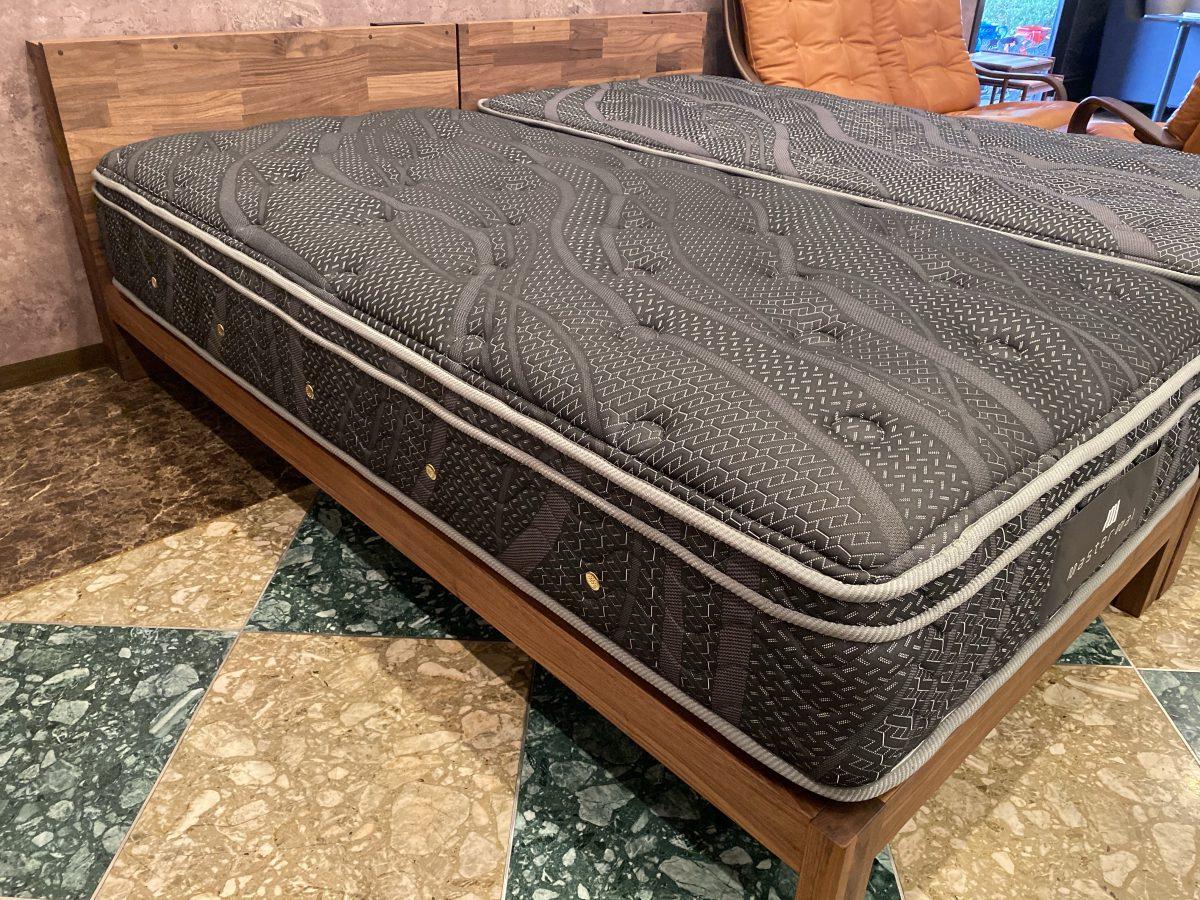 マスターウォール・PB1ベッドにサータ・ハレクラニマットをセットして特別価格