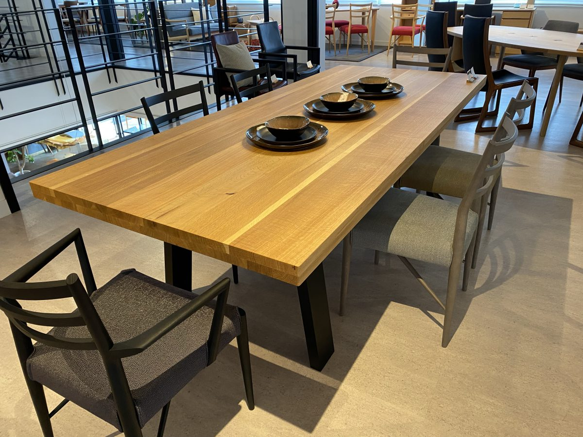 日進木工・THE GRAND TABLE・ストレート木脚
