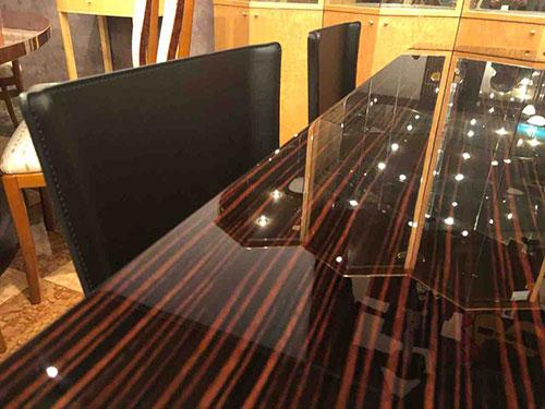 松創・黒檀ミガキテーブル・Jinにイタリア・fasemのチェアS91をセット