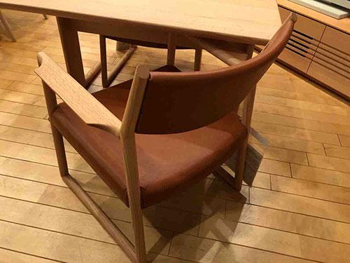【和室にも置けるLDセット】日進木工・NATURAL BROWN・LLDアームチェアNBC-410R
