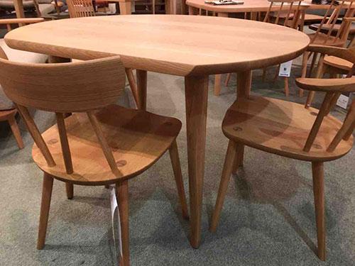 【お客様からお問い合わせを頂きました】コンパクトな変形テーブルはありますか?