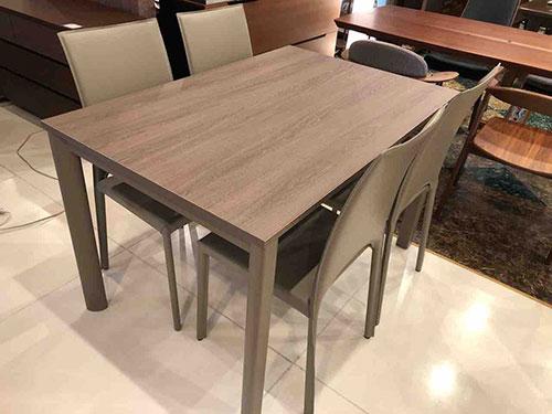 イタリア・ALTACOM社の伸長テーブル・BASIC1200